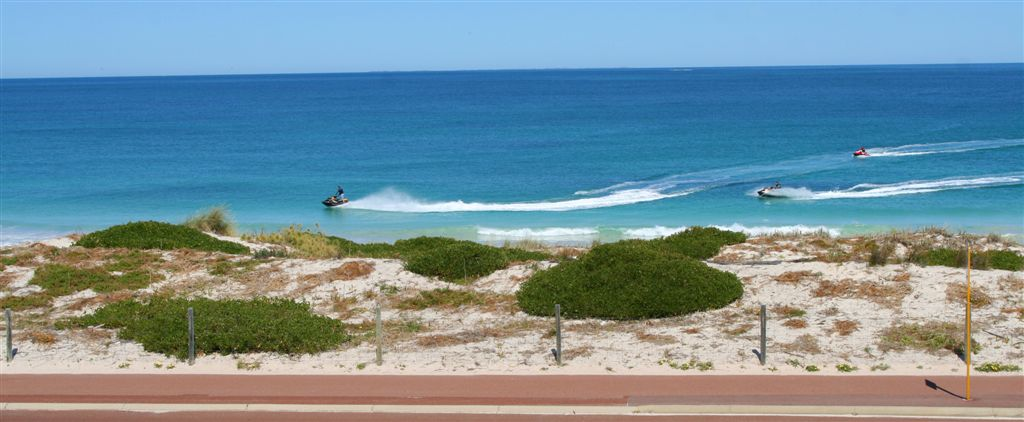 sorrento beach resort